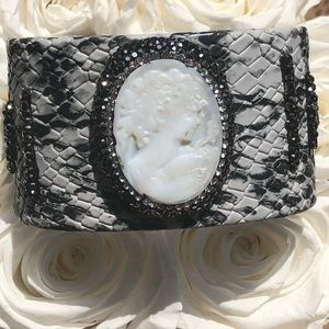 Jewelry - Faux snake skin cuff with a beautiful cameo!